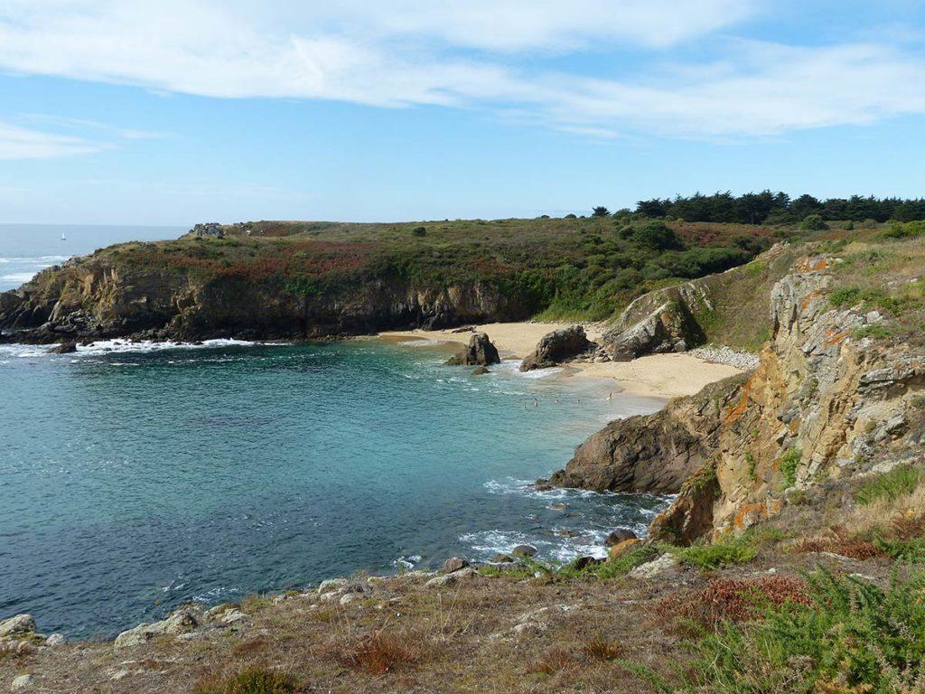 plage crique rocheuse